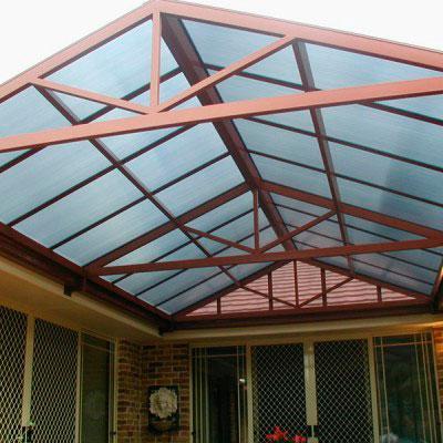 Cobertura de policarbonato express toldos for Rieles para toldos de techo
